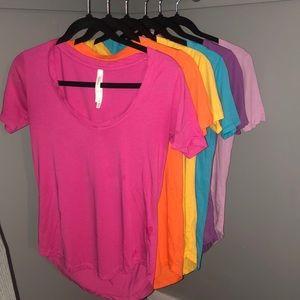 Aritzia T-shirt Bundle (6 shirts)